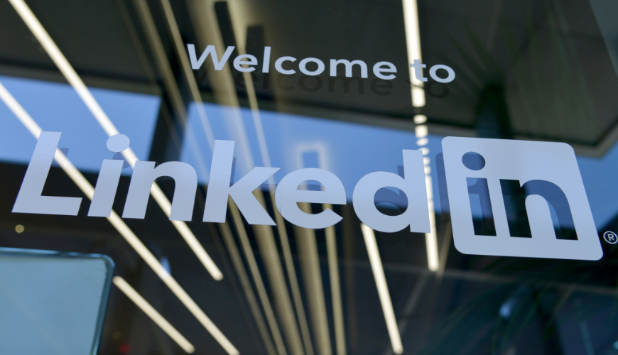 turn potential prospects on LinkedIn into sales